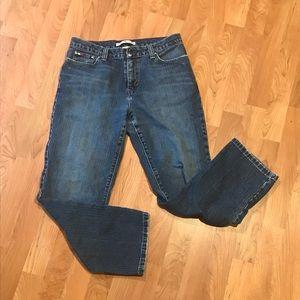 EUC Tommy Hilfiger Boyfriend Jeans (sz 6)